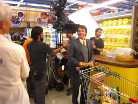 actor-Chile-grocery cart
